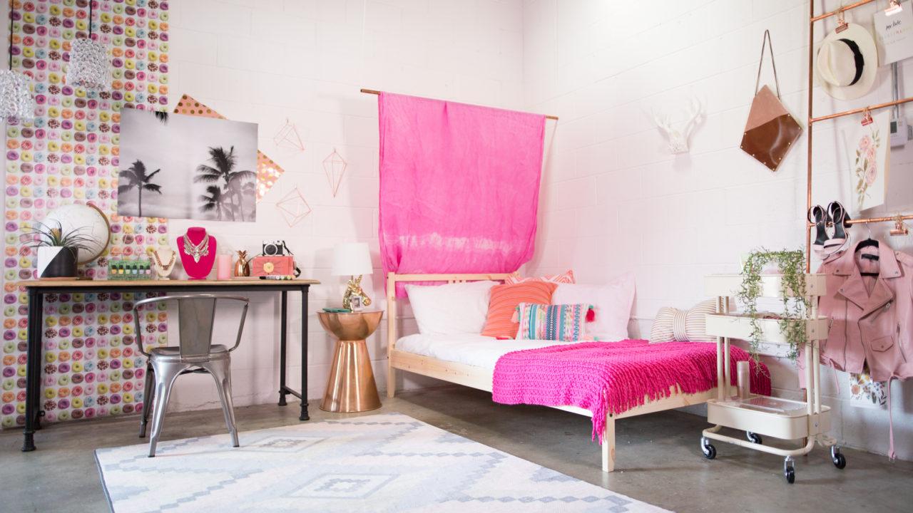 Dorm Room Decor, 3 Ways   HuffPost