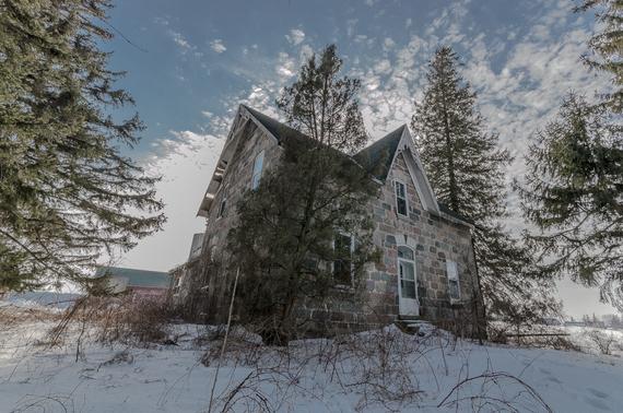 2016-08-02-1470104406-7075673-abandonedontariostonehouse.jpg