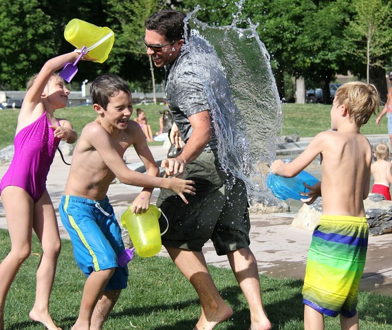 2016-08-07-1470560095-1794067-waterfight442257_1280.jpg