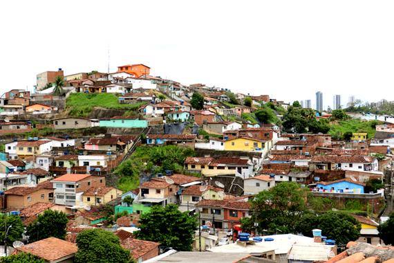 2016-08-12-1471032317-7662384-Recife_outskirts1.jpg
