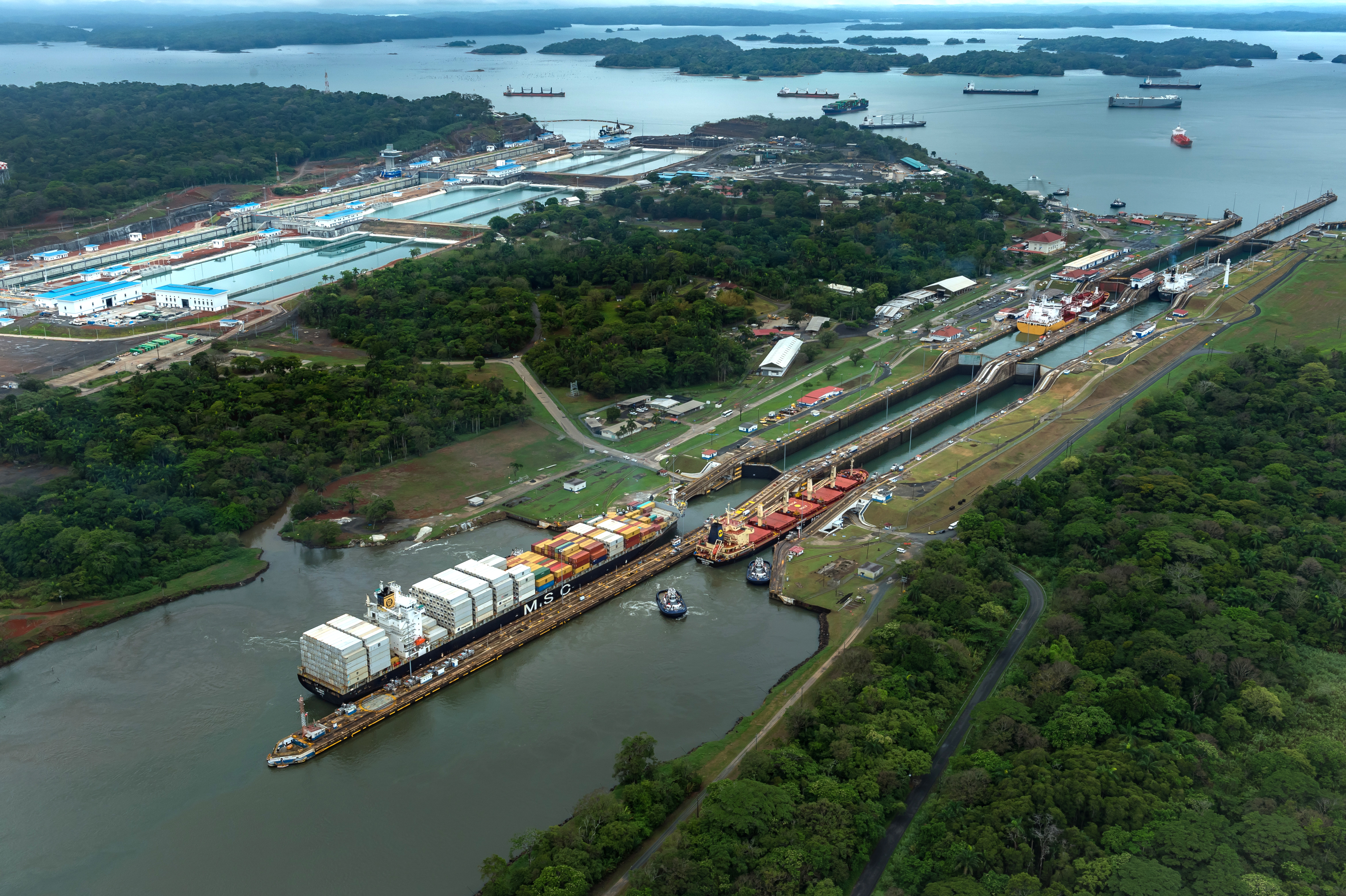 an overview of the history of the panama canal in 16th century The invasion of panama  colonial times of the 16th century today a canal that was cut  in all of history, the panama canal is an essential.