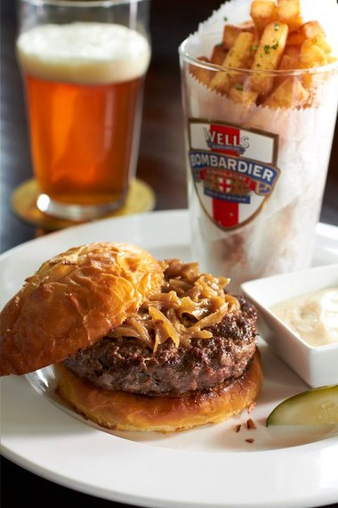 2016-08-16-1471377835-6763968-ChicagoOwen_EngineBritishBurger.jpg