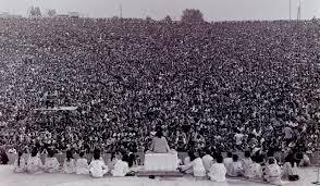 2016-08-17-1471402626-3041725-Woodstockcrowd.jpg