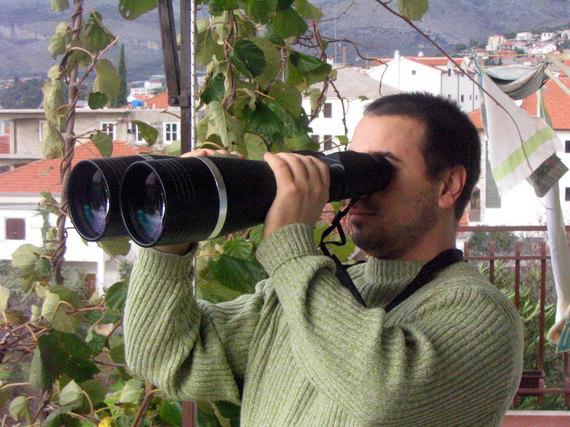 2016-08-18-1471559919-4976584-binoculars_25x100.jpg
