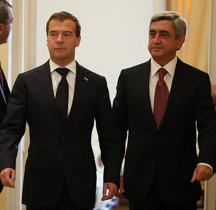 2016-08-19-1471581884-8726636-Dmitry_Medvedev_in_Armenia_20_August_20107.jpeg