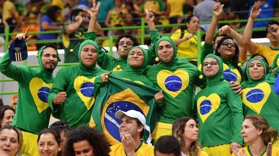 2016-08-19-1471625136-9842950-brasileiros.jpg