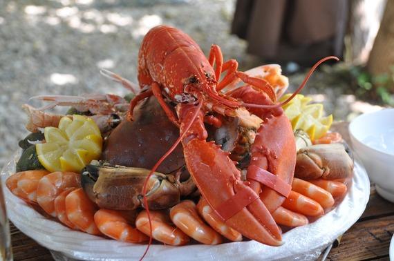 2016-08-24-1472025798-9207092-seafoodplatter.jpg