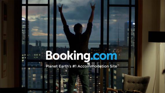 2016-09-01-1472747206-4083107-bookingx4a.jpg