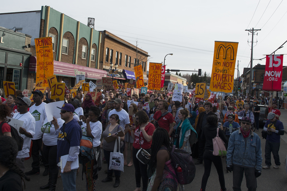 2016-09-01-1472764518-7139490-Strike_and_a_protest_march_for_a_15_minimum_wage_in_Dinkytown.jpg