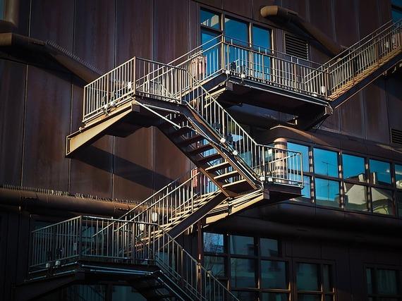 2016-09-01-1472765157-2759897-stairs1229149_640.jpg
