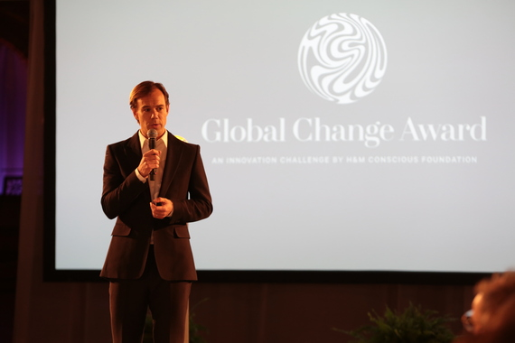 2016-09-03-1472888426-6968162-Welcome_remarks_by_KarlJohan_Persson_board_member_of_HM_Conscious_Foundation_and_CEO_of_HM_at_the_Global_Change_Award_2015.JPG