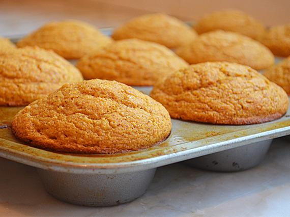 2016-09-06-1473123592-9199436-pumpkincornbreadmuffins.jpg