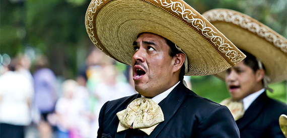 2016-09-16-1474046118-2346532-mexicanpeoplemariachi.jpg