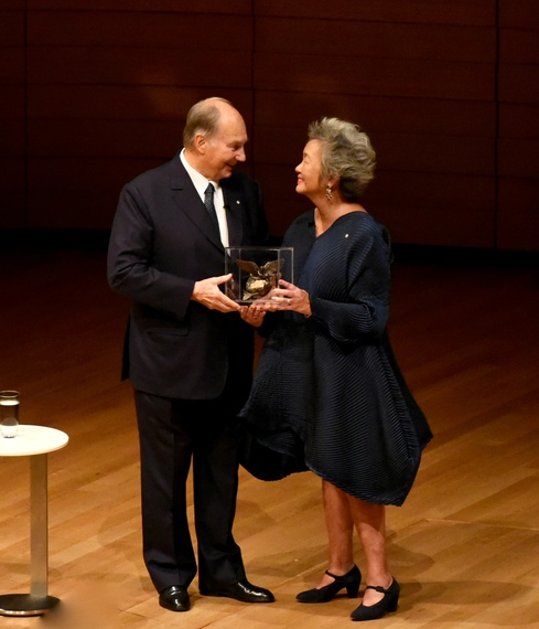His Highness the Aga Khan accepts the Inaugural Adrienne Clarkson Prize for Global Citizenship from Former Governor General of Canada, Adrienne Clarkson