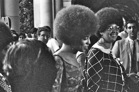2016-09-22-1474571703-2827987-Angela_Davis_enters_Royce_Hall_for_first_lecture_October_7_1969.jpg