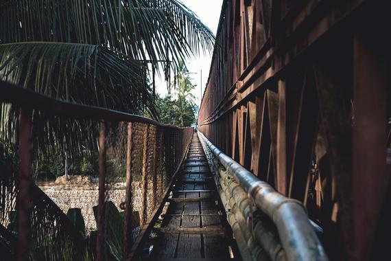 2016-09-23-1474656159-5055299-Laos.jpg