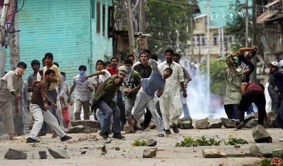 2016-09-24-1474702387-4175203-KashmirProtest.jpg