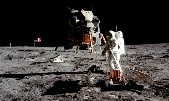 2016-09-25-1474774474-3778539-aldrin_on_moon_cropped_570_341.jpg