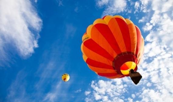 2016-09-27-1474953118-5976917-airballoonriding.jpg