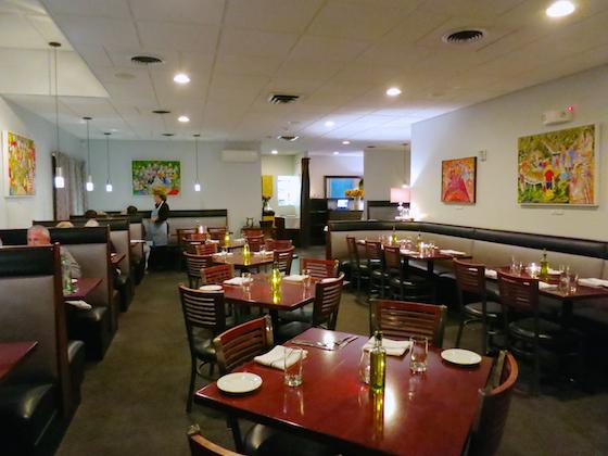 2016-10-02-1475431552-8864203-EllasRestaurantWesterlyRI.jpg