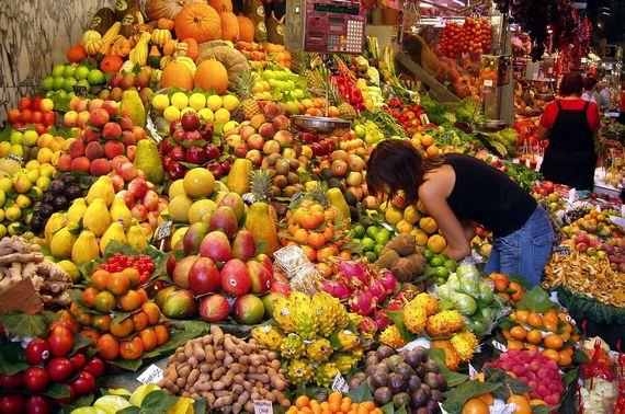 2016-10-04-1475609458-8300388-Fruit_Stall_in_Barcelona_Market.jpg