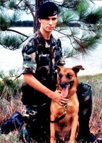2016-10-05-1475690468-697603-doghandler.jpg