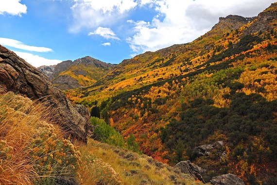 2016-10-05-1475696189-9592983-nevada_mountains_ravine.jpg