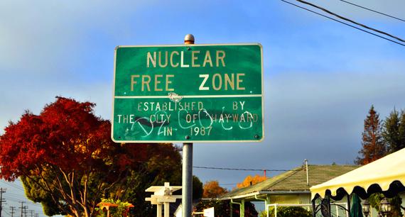 2016-10-09-1476019494-5789081-NuclearFreeZone_edit.jpg