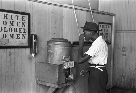 2016-10-11-1476160065-8941121-Colored_drinking_fountain_from_mid20th_century_with_africanamerican_drinking.jpg
