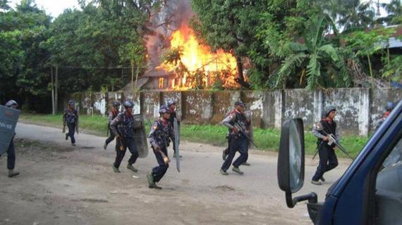 2016-10-11-1476222856-4200904-Rohingya6.jpg
