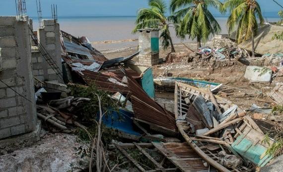 2016-10-13-1476371859-908317-Haiti3.jpg