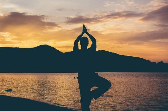 2016-10-13-1476390888-4736274-yoga1565047_1280.jpg