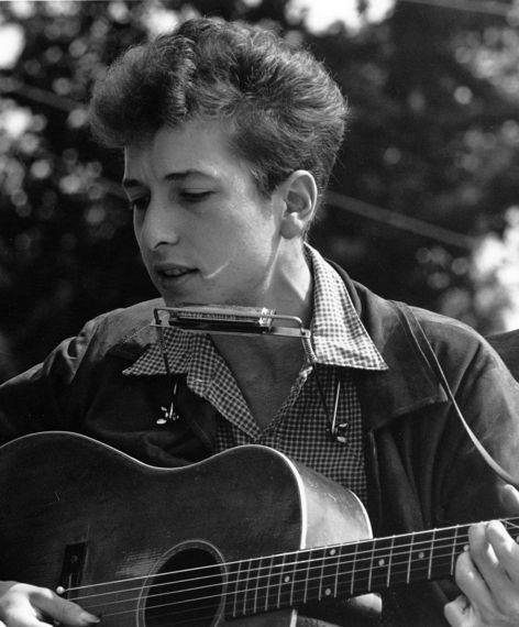 2016-10-17-1476747289-7010743-994pxJoan_Baez_Bob_Dylan_crop1.jpg