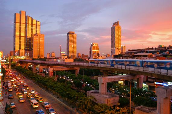 2016-10-19-1476865055-2553990-Bangkok_skytrain_sunset.jpg