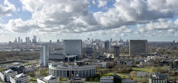 2016-10-19-1476919580-6519101-RotterdamSkylineErasmusUniversiteit.jpg