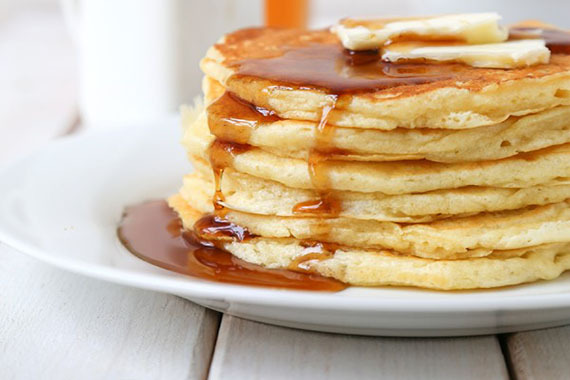 2016-10-20-1476999396-5228504-TheChic_buttermilkpancakes600x900.jpg