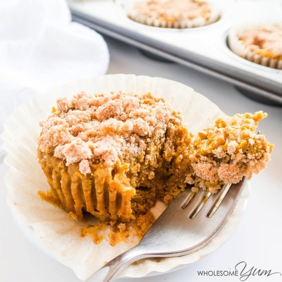 2016-10-23-1477229808-5234876-wholesomeyum_pumpkinpiecrumblecupcakespaleolowcarb1.jpg