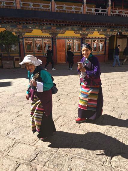 2016-10-23-1477232505-9003597-TibetanWomen.jpg