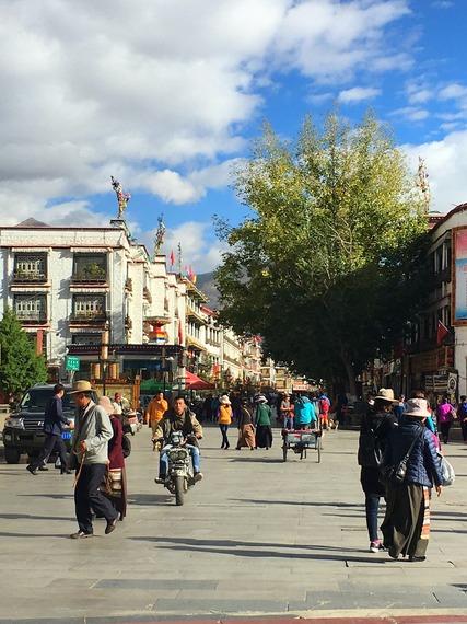 2016-10-23-1477236210-5945021-LhasaBarkhor.jpg