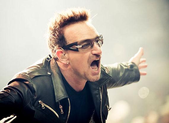 2016-10-25-1477405665-5459796-Bono_U2_360_Tour_2011.jpg
