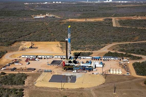 2016-10-27-1477589406-1078625-frackingpit.jpg
