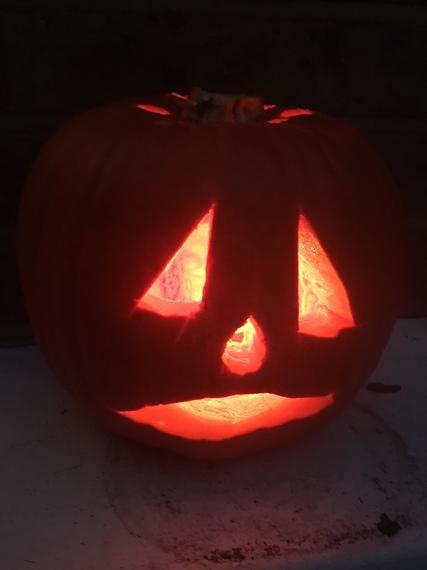 2016-10-29-1477765937-8950106-pumpkin2.JPG