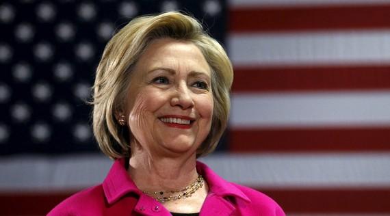 2016-10-31-1477872016-4376971-Hillary.jpg