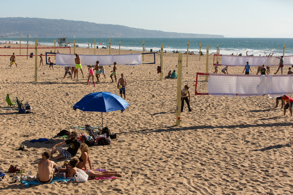 2016-11-02-1478101814-9931021-ManhattanBeachBeachVolleyballCourts.jpg