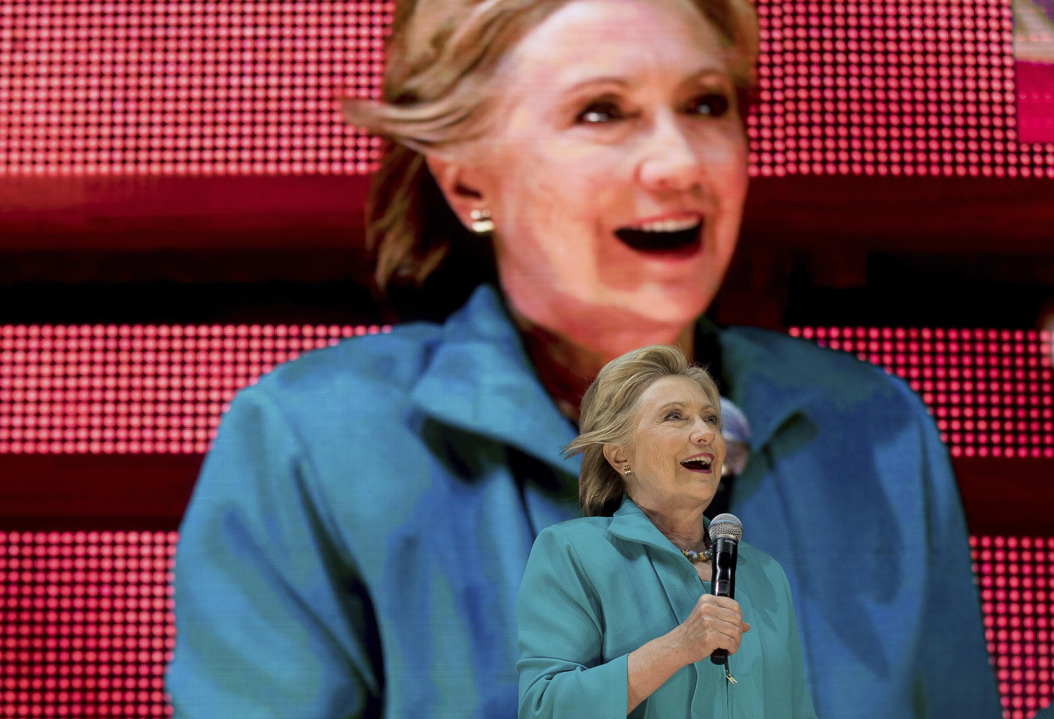2016-11-02-1478106741-9263159-HillaryClinton.jpg