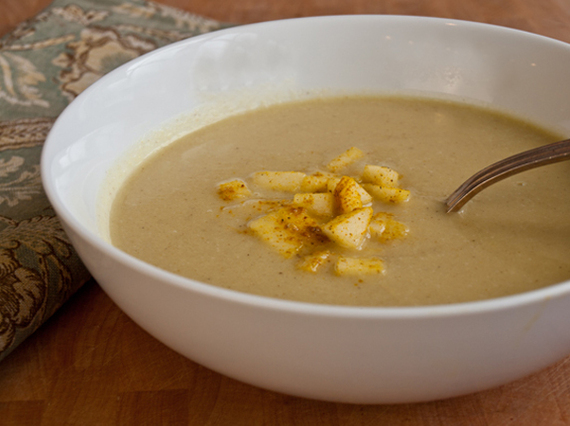 2016-11-05-1478351711-2157577-cauliflowerapplesoup.jpg