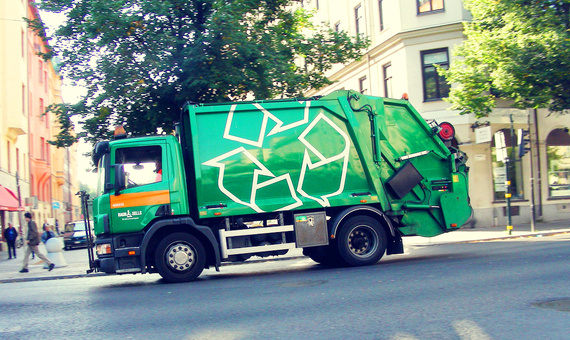 2016-11-08-1478639147-1674785-recyclingtruck.jpg