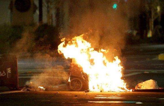 2016-11-10-1478780738-1862877-trumpprotestfire.jpg