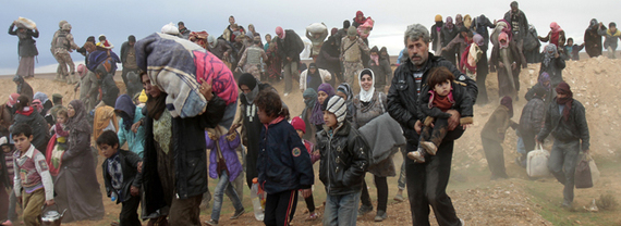 2016-11-18-1479473343-5490302-Syria_refugees_entering_Jordan_JordanTimes.jpg