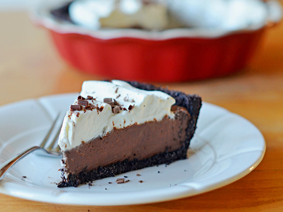 2016-11-18-1479478969-3691320-chocolatecreampie_edited1.jpg